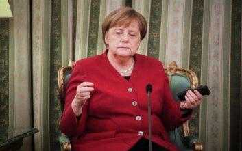 Μέρκελ: Δεν μπορούμε να αφήσουμε μόνη της την Ελλάδα στο προσφυγικό