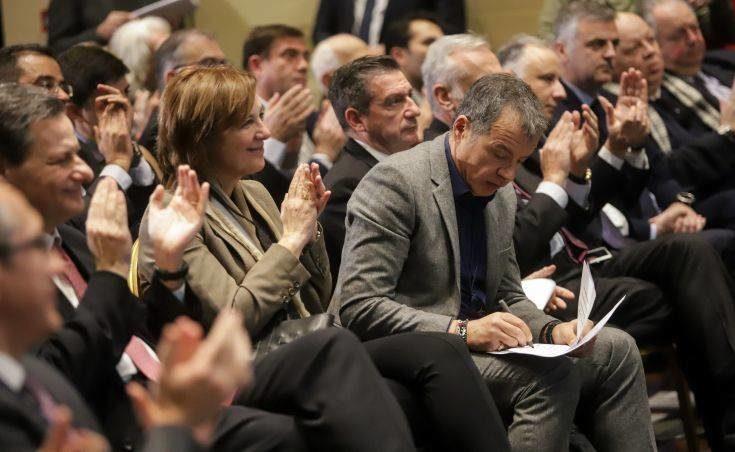Θεοδωράκης: Στόχος η κατάργηση του κομματικού κράτους