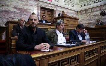 Σκηνές «ροκ» στη Βουλή μεταξύ Πολάκη, Οικονόμου και Μανιού