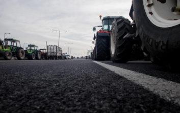 Αγρότες απέκλεισαν τη νέα εθνική οδό Πατρών – Πύργου