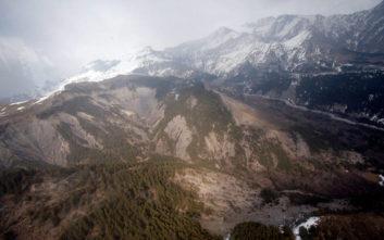 Σύγκρουση ελικοπτέρου και αεροπλάνου πάνω από τις Άλπεις, πληροφορίες για νεκρούς
