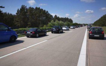 Διχάζει τους Γερμανούς η πρόταση για όρια ταχύτητας στους Autobahn