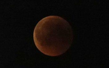Έρχεται πανσέληνος, υπερπανσέληνος και ολική έκλειψη σελήνης