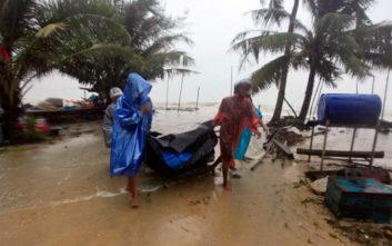 Τροπική καταιγίδα πλήττει την Ταϊλάνδη