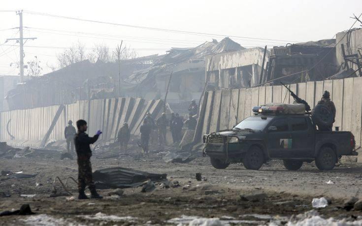 Διαψεύδουν οι Ταλιμπάν ότι σκοτώθηκε ο εγκέφαλος επίθεσης με δεκάδες νεκρούς
