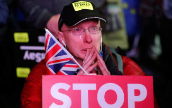 Τσάι και προσευχή προτείνει η Αγγλικανική Εκκλησία για να αντιμετωπιστεί το Brexit