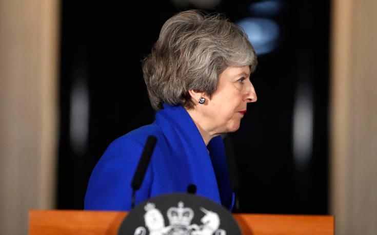 Περισσότερο χρόνο πριν μία νέα ψηφοφορία για το Brexit ζητά η Μέι
