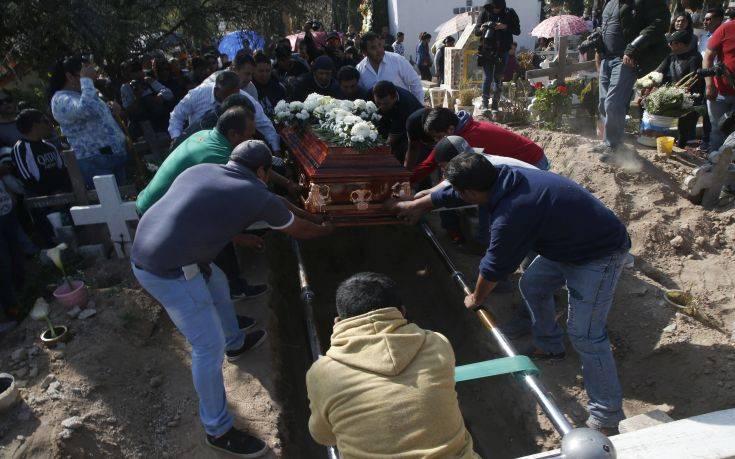 Ανεβαίνει κι άλλο ο αριθμός των νεκρών στο Μεξικό