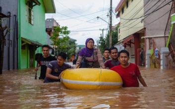 Φράγμα υπερχείλισε κι έπνιξε 30 ανθρώπους στην Ινδονησία