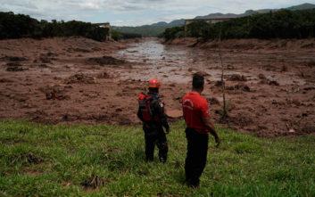 Θλίψη και οργή στη Βραζιλία για τους 58 νεκρούς και τους 300 αγνοούμενους