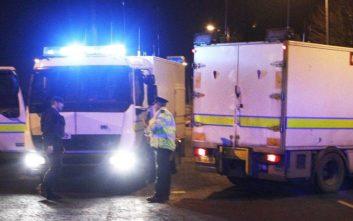 Η Αστυνομία της Βόρειας Ιρλανδίας ερευνά πιθανή έκρηξη παγιδευμένου οχήματος