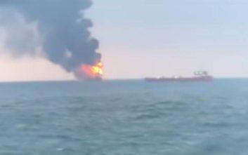 Στους 14 ο αριθμός των νεκρών στην πυρκαγιά στα δύο πλοία στα ανοικτά της Κριμαίας