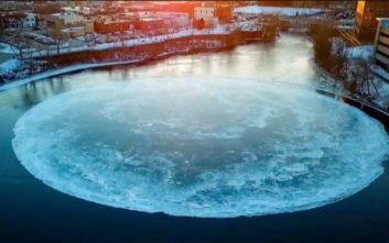 Tο μυστηριώδες… παγωμένο θέαμα που έχει καθηλώσει τους πολίτες