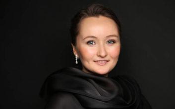 Η σοπράνο Γιούλια Λέζνιεβα συναντά τους Μουσικούς της Καμεράτας
