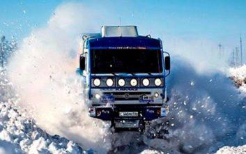 Φορτηγά εναντίον χιονιού
