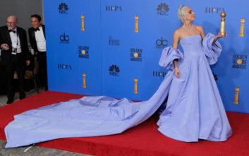 Η Lady Gaga «έκλεψε» τις εντυπώσεις στις Χρυσές Σφαίρες
