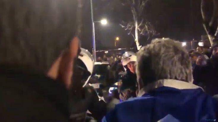 Επεισόδια μεταξύ διαδηλωτών και ΜΑΤ μπροστά στο Μέγαρο Μουσικής Θεσσαλονίκης