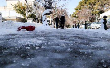 Τρεις άνθρωποι ζουν εγκλωβισμένοι στα χιόνια επί έξι μέρες στη Φθιώτιδα
