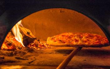 Πού θα φάτε πίτσα στην Αθήνα σα να βρίσκεστε στην Ιταλία