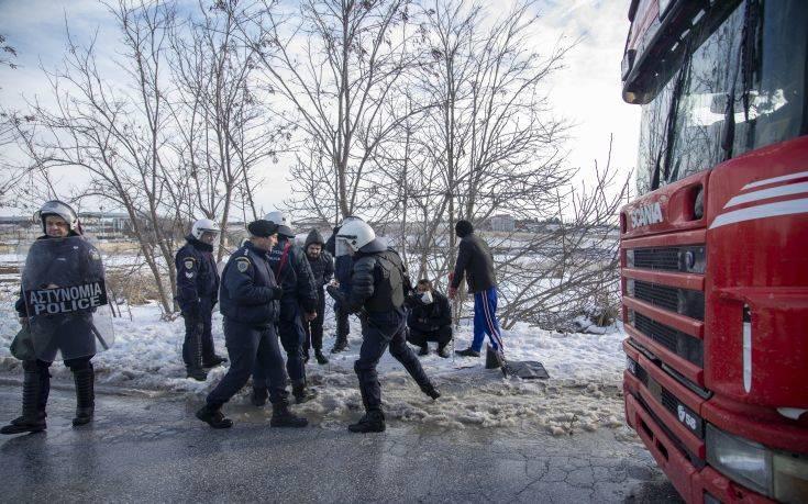 Έξι συλλήψεις στη διαμαρτυρία προσφύγων στα Διαβατά