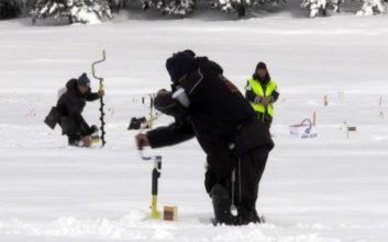 Παγκόσμιο πρωτάθλημα ψαρέματος σε... παγωμένη λίμνη