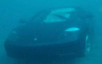 Έπεσε με τη Ferrari του σε λιμνοθάλασσα γιατί «του το είπε ο Ιησούς»