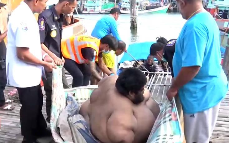 Στήθηκε επιχείρηση για να σωθεί άντρας 320 κιλών από τον… εαυτό του