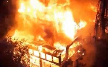 Βίντεο από τη μεγάλη πυρκαγιά σε εστιατόριο στον Άλιμο