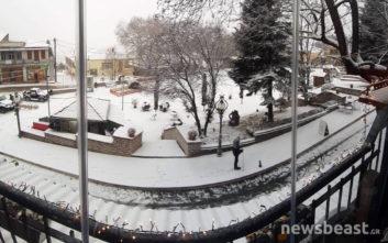 Φωτογραφίες από τη χιονισμένη Κόνιτσα και το παράπονο των κατοίκων