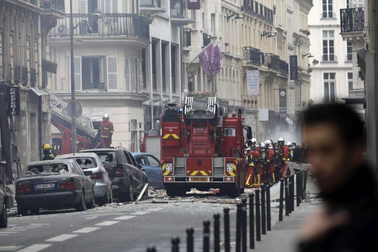 Πληροφορίες για δέκα τραυματίες από την έκρηξη στο Παρίσι