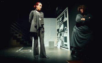 «sMOTHERed», μία παράσταση για την αθάνατη και ανυπέρβλητη Ελληνίδα μάνα
