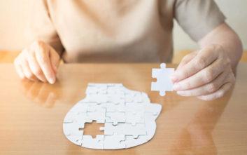 Σπάνια γενετική μετάλλαξη προστατεύει γυναίκα από το Αλτσχάιμερ