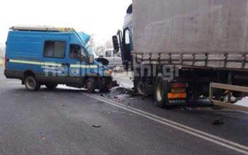 Σοβαρό τροχαίο στην Ιεράπετρα, νταλίκα συγκρούστηκε με φορτηγάκι