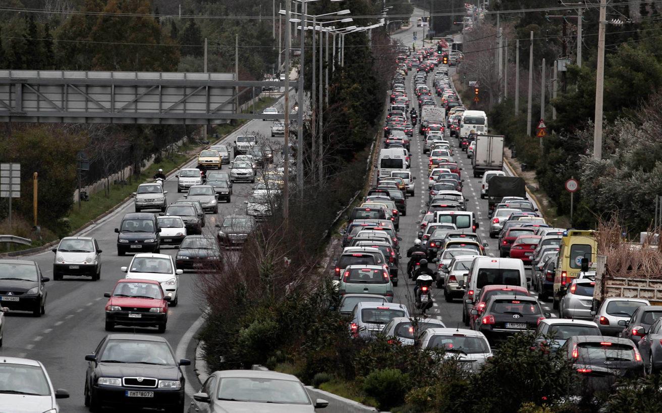 Γιατί μποτιλιάρονται καθημερινά οι δρόμοι της Αθήνας