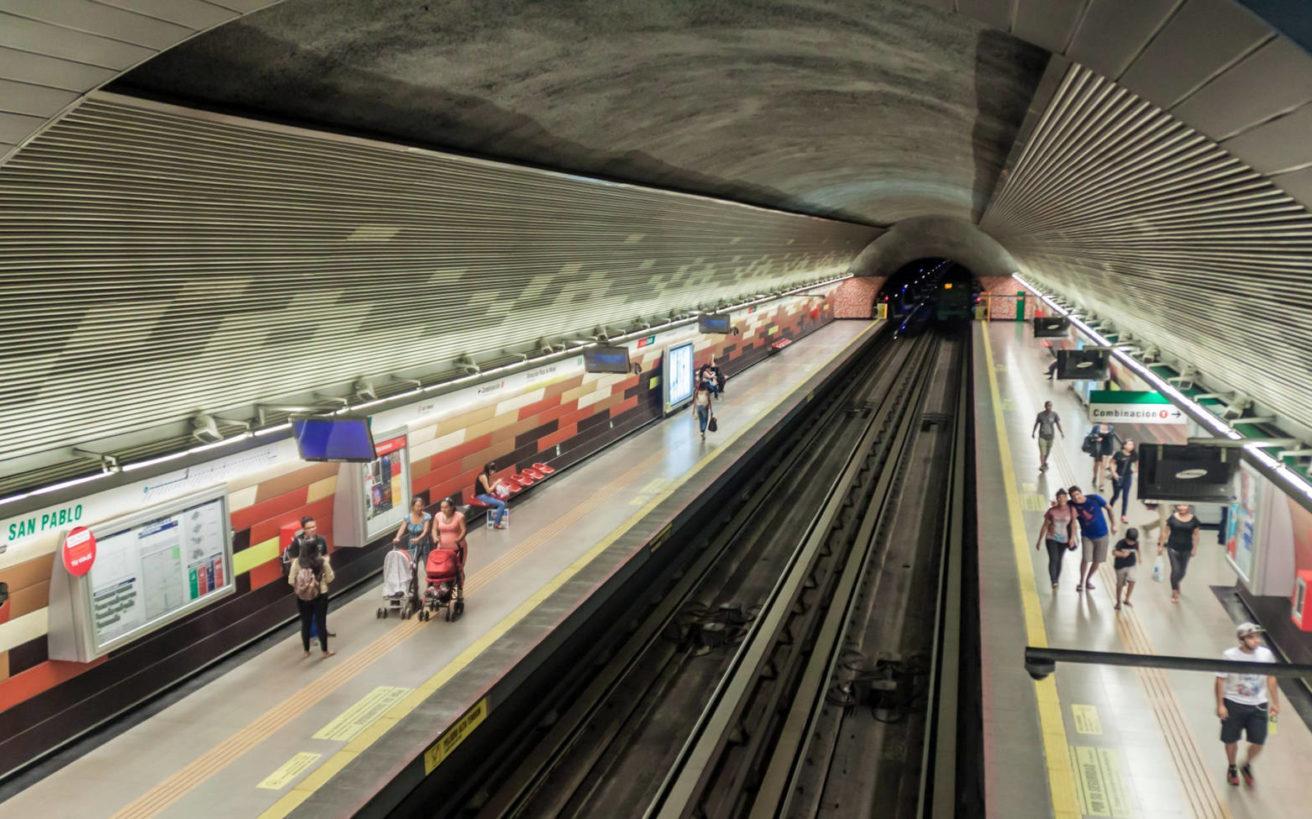 Αποτέλεσμα εικόνας για Η χώρα που έχει στάση μετρό «Ελλάδα», πλατεία «Αθήνα» και 600 δρόμους με ελληνικά ονόματα