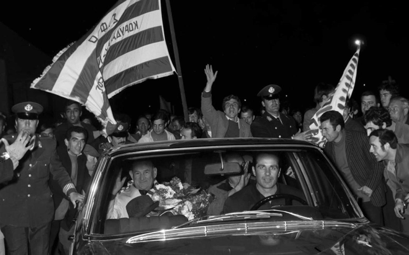 Το πολιτικό παρασκήνιο μιας παραίτησης που σημάδεψε το ελληνικό ποδόσφαιρο