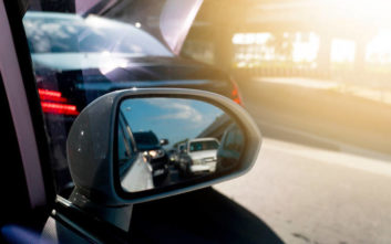 Πώς ρυθμίζουμε σωστά τους καθρέφτες στο αυτοκίνητο
