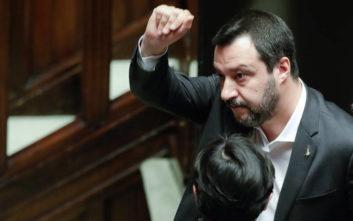 Ο Ματέο Σαλβίνι προσκαλεί τον Γάλλο υπουργό Εσωτερικών στη Ρώμη