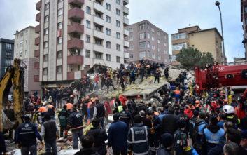 Στους 17 οι νεκροί από την κατάρρευση πολυκατοικίας στην Κωνσταντινούπολη