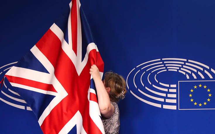 Ανοίγει ο δρόμος για παράταση του Brexit