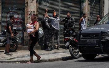 Μπολσονάρου: Παρουσίασε νομοσχέδιο για την προστασία αστυνομικών και στρατιωτών που σκοτώνουν