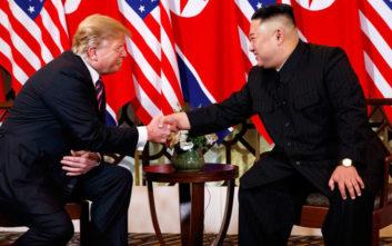 Τι έδειξε η γλώσσα του σώματος Τραμπ και Κιμ στη συνάντησή τους στο Βιετνάμ