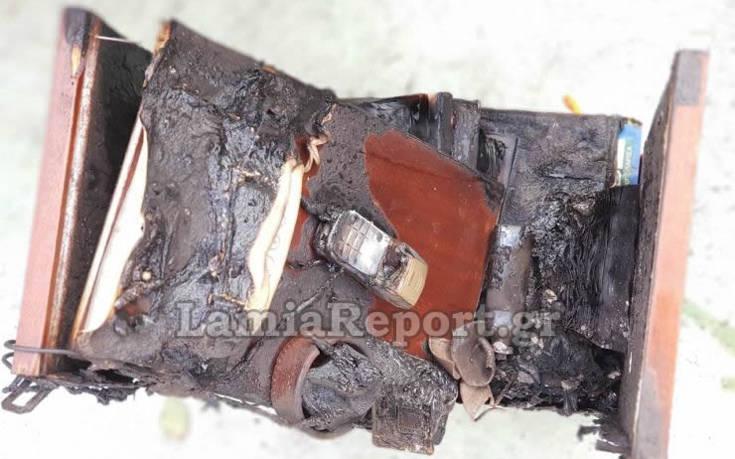 Άφησε το κινητό της να φορτίζει και πήρε φωτιά το σπίτι της