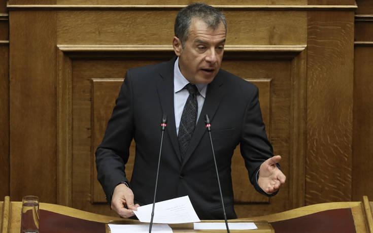 Θεοδωράκης: Μοναδικός στόχος των περισσοτέρων η αναγέννηση της κομματικής εξουσίας
