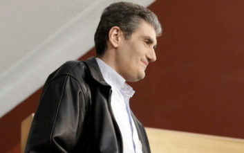 Υποψήφιος περιφερειάρχης ΣΥΡΙΖΑ: Δεν θέλω να μεγαλώσει ο γιος μου με το φασισταριό