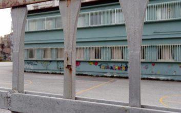 Η κακοκαιρία κρατά κλειστά σχολεία σε Κρήτη και Σύρο