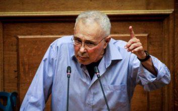 Ζουράρις στη Βουλή: Η κυβέρνηση πάσχει από μπατιρημένη κ@@λ@