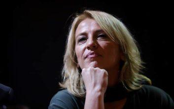 Η Ρένα Δούρου γιορτάζει τον Βαλεντίνο με το φιλί του Τσίπρα στην Μπέτυ
