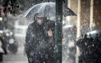 Καιρός: Κύμα κακοκαιρίας με χιόνια και χαλάζι πλήττει τα Χανιά