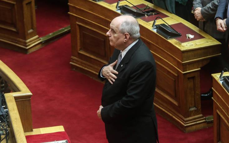Ορκίστηκε βουλευτής ο Τέρενς Κουίκ